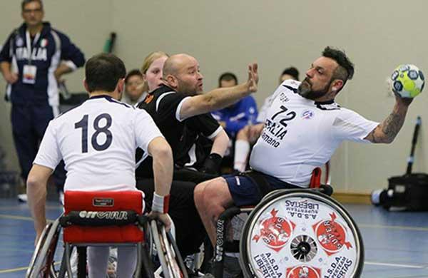 Pallamano in sedia rotelle