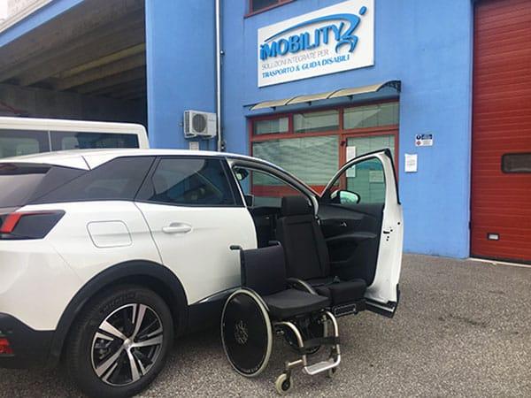 Disabili: scegliere l'auto adattata