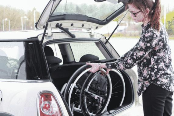 Come trasportare la carrozzina in auto