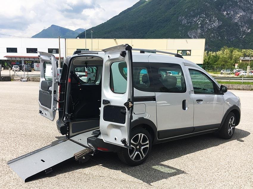 Dacia con ribassamento del pianale