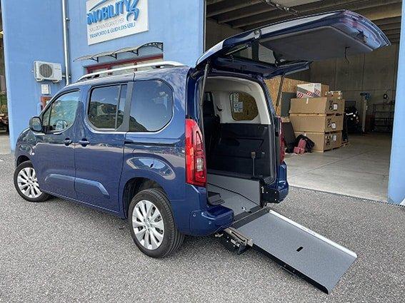 Opel Combo con allestimento disabili